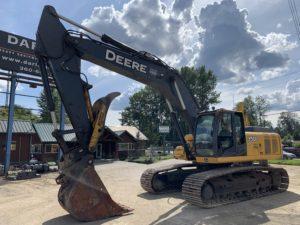 Full Size Excavators – Darling Sons Intl